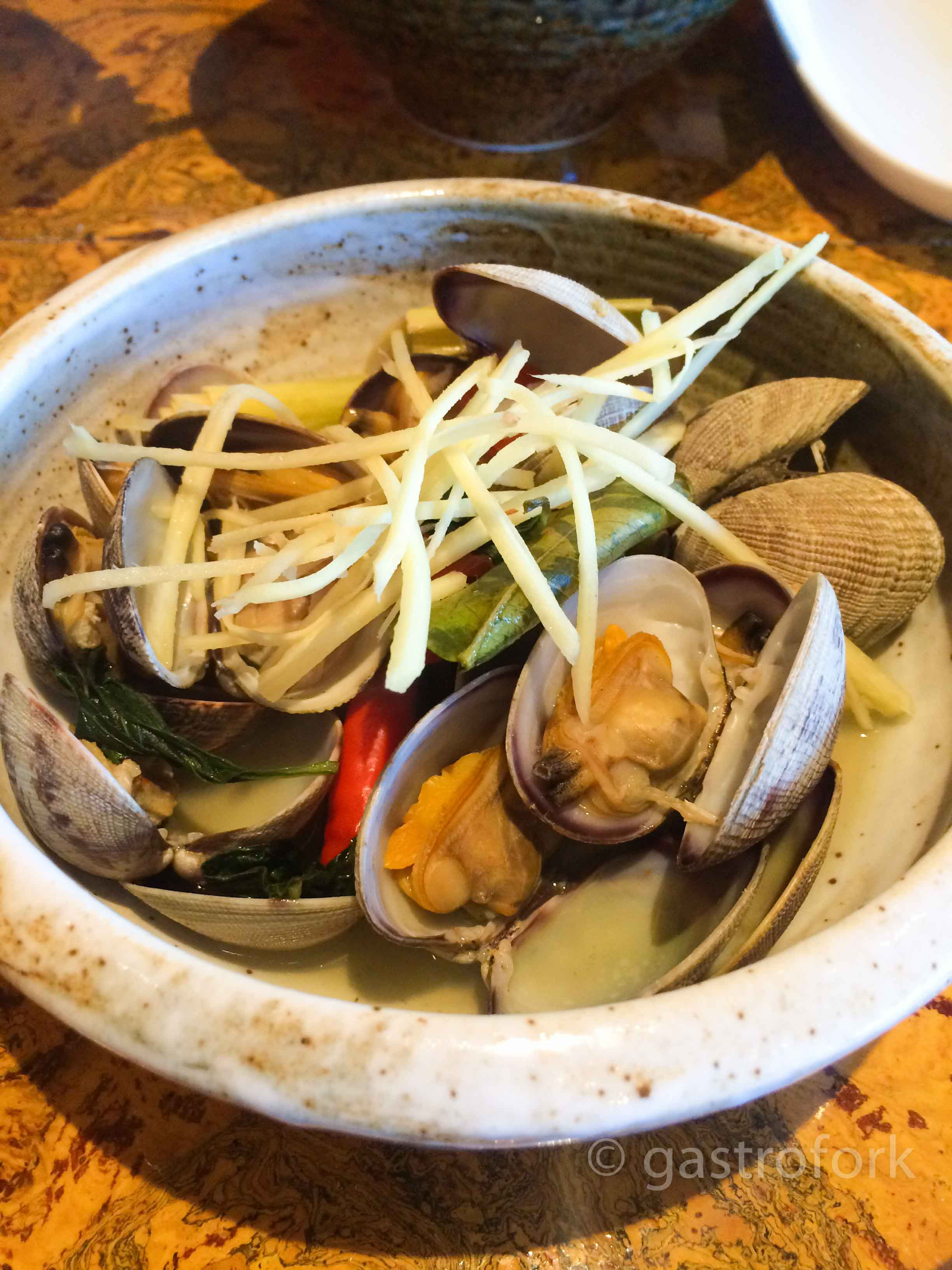 maenam steamed manila clams
