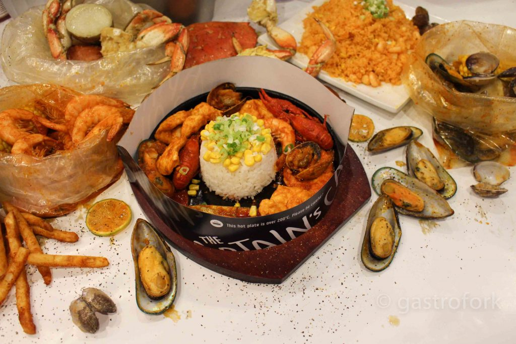 captain's boil sizzling plate