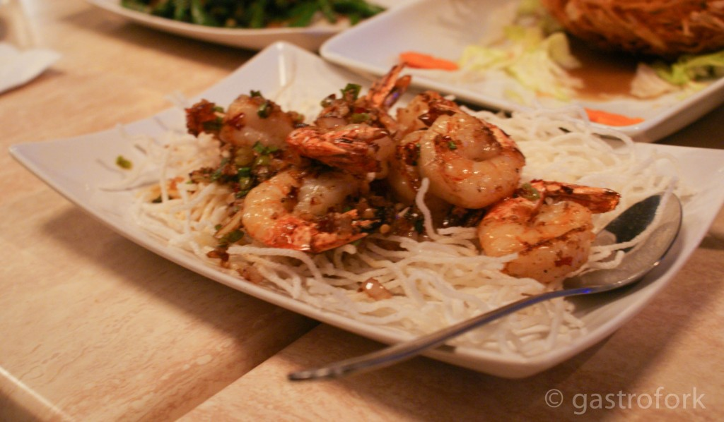 pan fried prawns in spicy garlic pepper oil