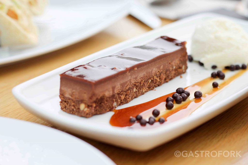 chocolate peanut butter crunch bar cactus club