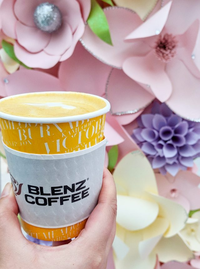 blenz coffee tumeric latte