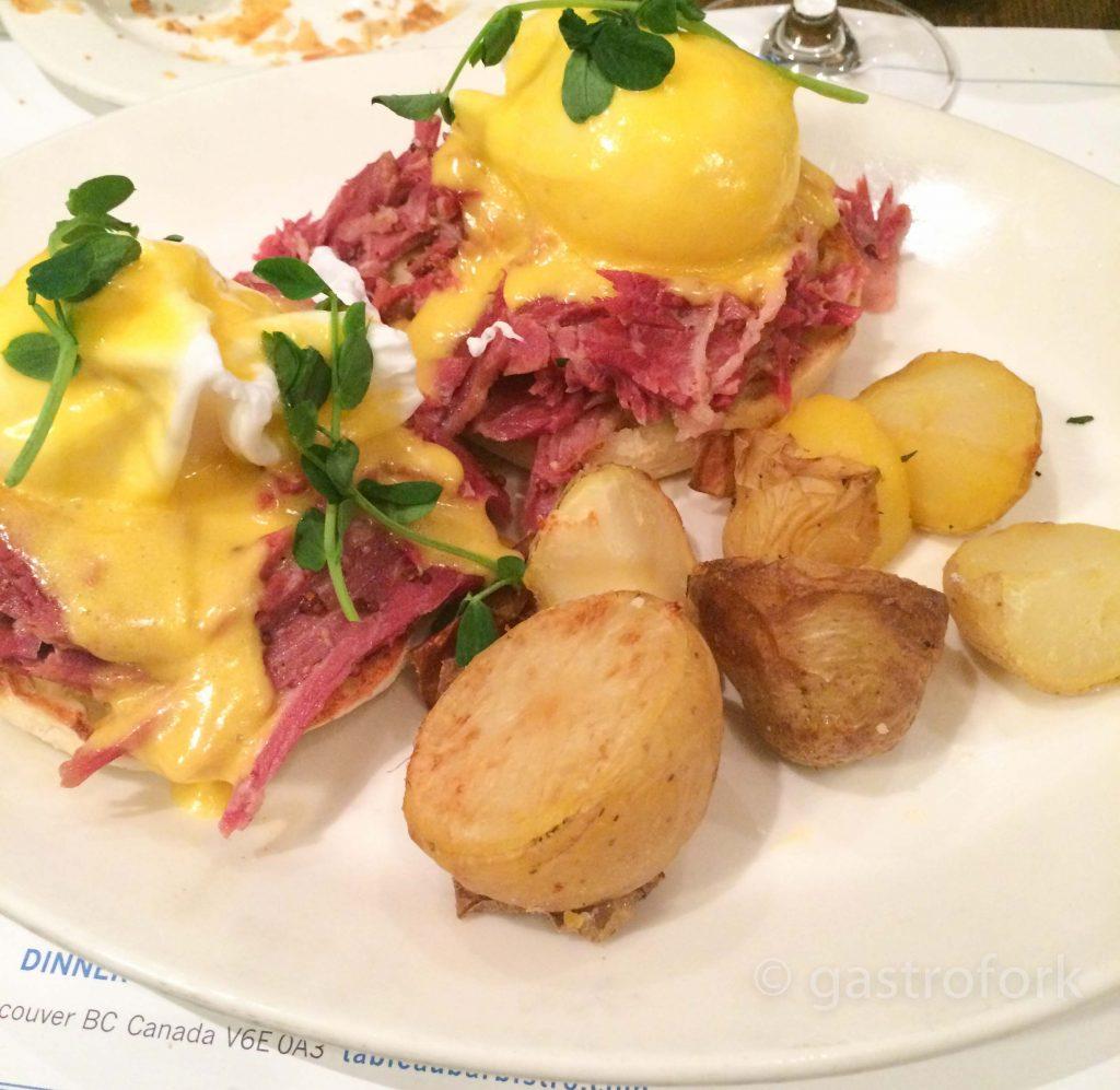 tableau bistro bar brunch eggs benedict ham