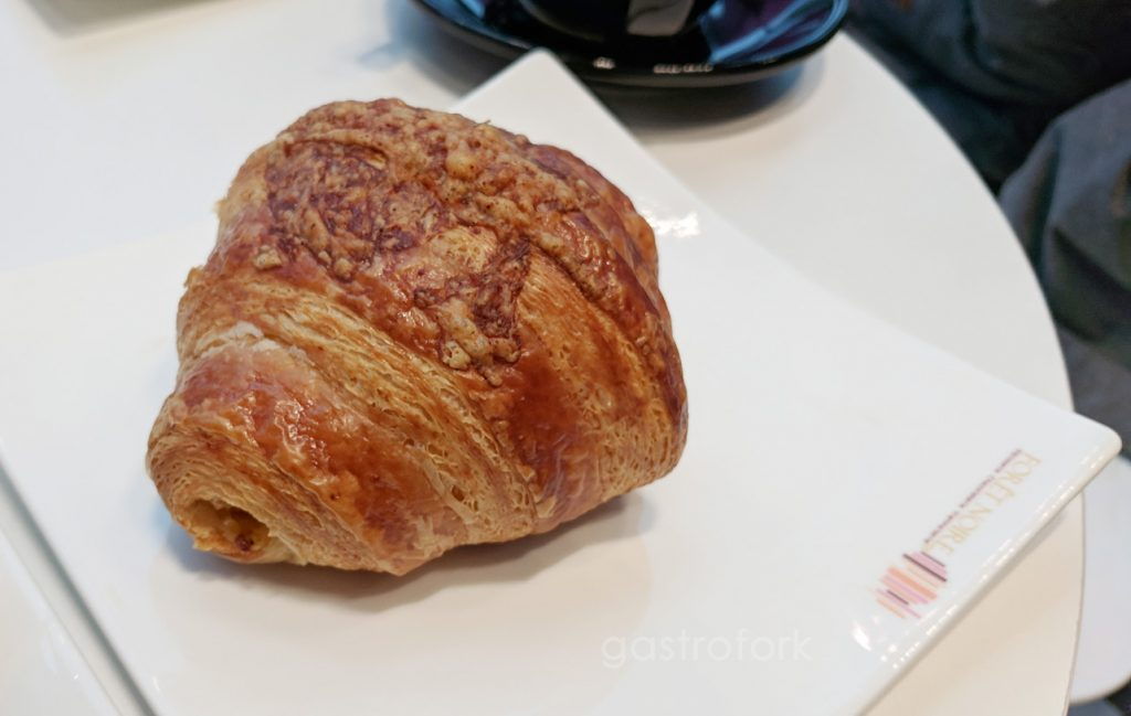 foret noire patisserie cheese croissant