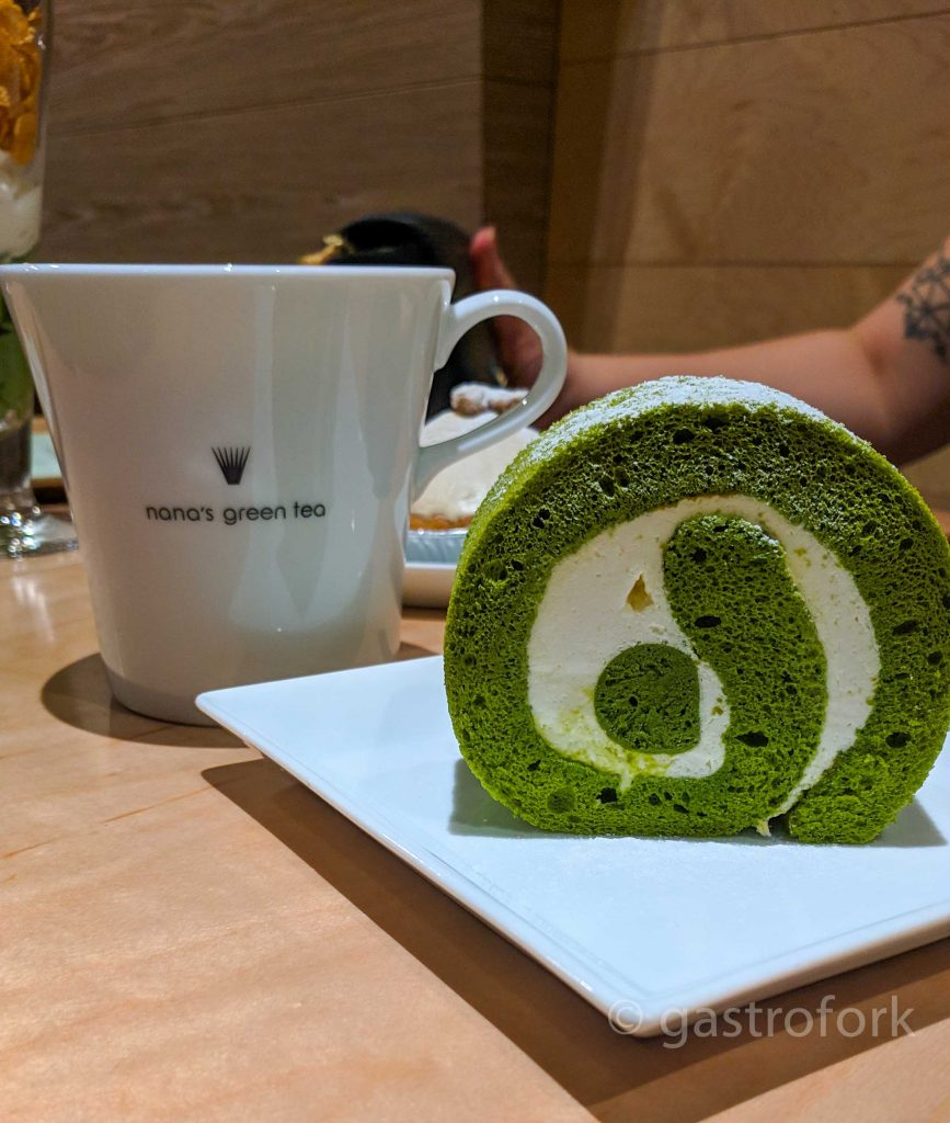 nana's green tea kerrisdale matcha roll